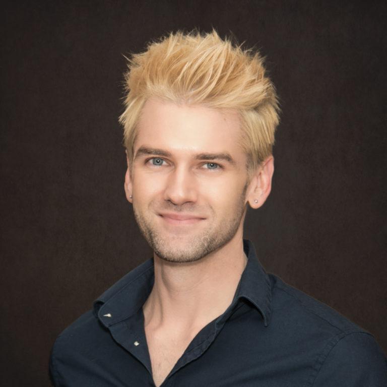 Dr. Nathan Lang-Raad bio picture